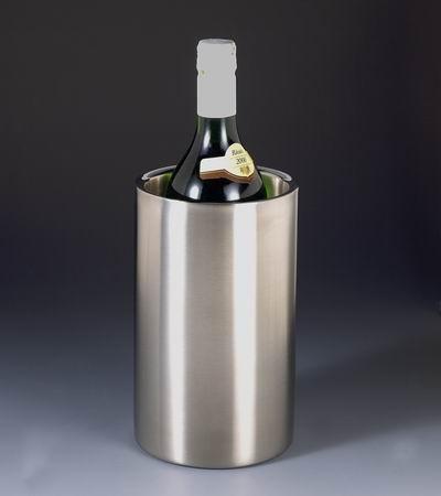 Refroidir les bouteilles - La bouteille sur la table ...